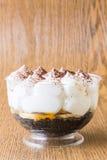 自创Banoffee杯形蛋糕 免版税库存照片