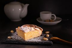 自创frangipane蛋糕 库存图片