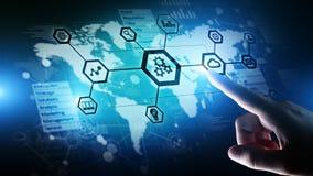 自动化和聪明的产业4 事IOT 0,互联网,齿轮和系统结构在虚屏上 库存图片