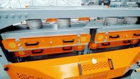 自动化的处理的设备 新的金属工艺机器在现代车间 股票录像