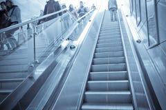 自动扶梯楼梯 免版税库存照片