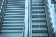 自动扶梯楼梯 免版税库存图片