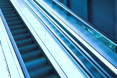 自动扶梯现代移动办公室 库存图片