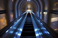自动扶梯被采取在梅田天空大厦 免版税图库摄影
