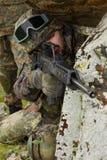 自动步枪战士瞄准 库存照片