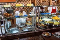 自助餐午餐在土耳其餐馆 免版税库存照片