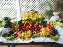 自助餐新鲜水果传播 库存照片