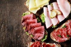 自助餐用被分类的单片三明治 库存图片