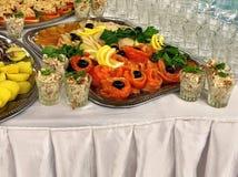 自助餐的食物 免版税库存照片