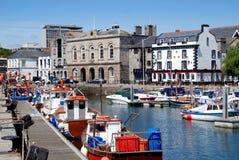 自定义英国房子普利茅斯码头 免版税库存照片