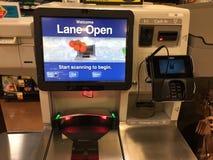 自检在超级市场抵抗 免版税库存图片
