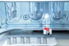 自治可溶性测试器 桌的仿制溶解 库存图片