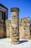 自治都市教会的维尔京的片段 14世纪的中世纪废墟 罗得岛,希腊 免版税库存图片