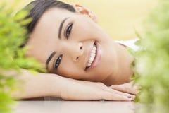 自然健康概念美好妇女微笑 库存图片
