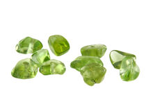 自然在白色背景隔绝的橄榄石橄榄石chrisolite地质宝石 免版税库存照片