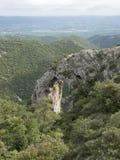 自然岩石曲拱在南法国在普罗旺斯的luberon地区告诉了arche de portalas 图库摄影