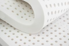 自然巴拉乳汁橡胶、枕头和床垫 免版税库存照片