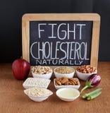 自然战斗胆固醇与食物概念 免版税库存照片
