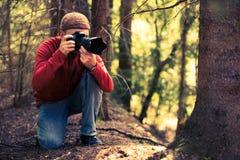自然摄影师在工作 库存照片