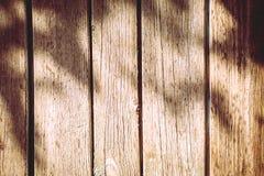 自然木未染色的篱芭片断  免版税图库摄影