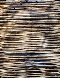 自然材料做的被编织的篱芭 免版税库存照片