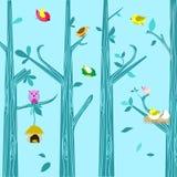 自然树和鸟背景 免版税库存图片