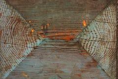 自然棕色木头抽象木背景纹理与橙色油漆的斑点的 图库摄影