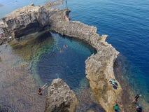 自然水池在戈佐岛 图库摄影