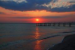 自然海日落视图 免版税库存照片