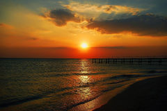自然海日落视图 免版税库存图片