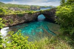 自然海滩水池在巴厘岛 免版税库存照片