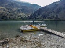 自然湖Kournas, 免版税库存图片
