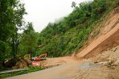 自然灾害,在雨季期间的山崩在泰国 免版税图库摄影