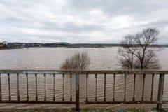 洪水-自然现象 溢出的湖 图库摄影