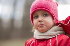 自然的女婴 免版税库存图片