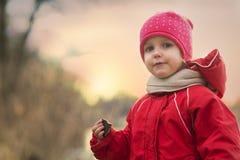 自然的女婴 免版税库存照片