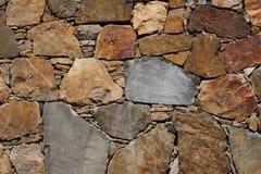 自然石墙 免版税图库摄影