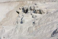 自然石灰华水池和大阳台,棉花城堡,棉花堡,土耳其 免版税库存图片