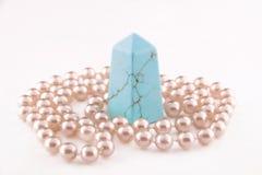 自然石头和珍珠项链 免版税库存照片