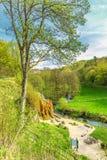 自然纪念碑Dreimà ¼ hlen瀑布用德语埃菲尔山 库存图片