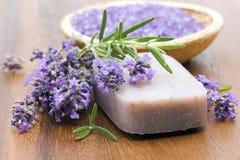自然肥皂棒  免版税库存照片