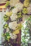 自然颜色美丽,豪华婚礼装饰,花, 免版税库存图片