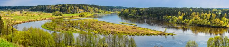 自然风景全景、河Nemunas的鸟瞰图、合流和Merkys,立陶宛 免版税库存图片