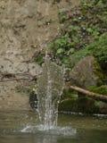 自然水位高飞溅 免版税库存照片
