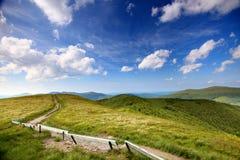 自然 在山的路 夏天横向 库存照片