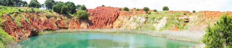 自然绿色湖 库存图片