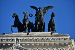 自由四马二轮战车保罗Bartolini,祖国牵牛星,亦称对维托里奥Emanuele的Vittoriano纪念碑II 免版税库存图片