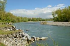 自由地蜿蜒的河给了de波城 库存照片