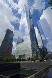 自由塔和国民9月11日纪念品在曼哈顿, U 库存照片