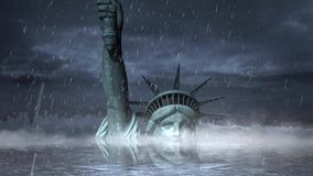 自由女神像在雨风暴圈淹没了 影视素材